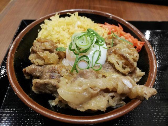 丸亀製麺期間限定メニュー「牛丼」はすき家・吉野家・松屋よりおいしい!