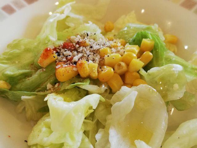 オリーブオイル+塩+胡椒+チーズでサラダのドレッシングの代用として