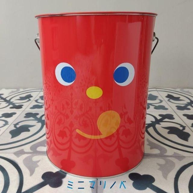 正面:かわいい缶:東ハト キャラメルコーン特大ペール缶の写真