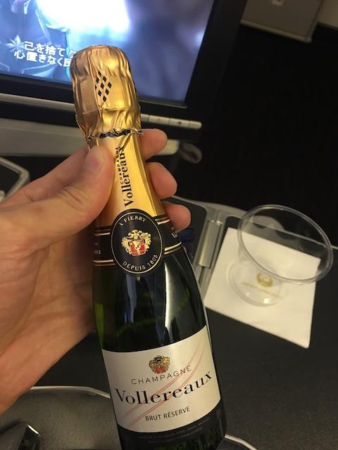 JAL プレミアムエコノミー シャンパン ヴォレロー