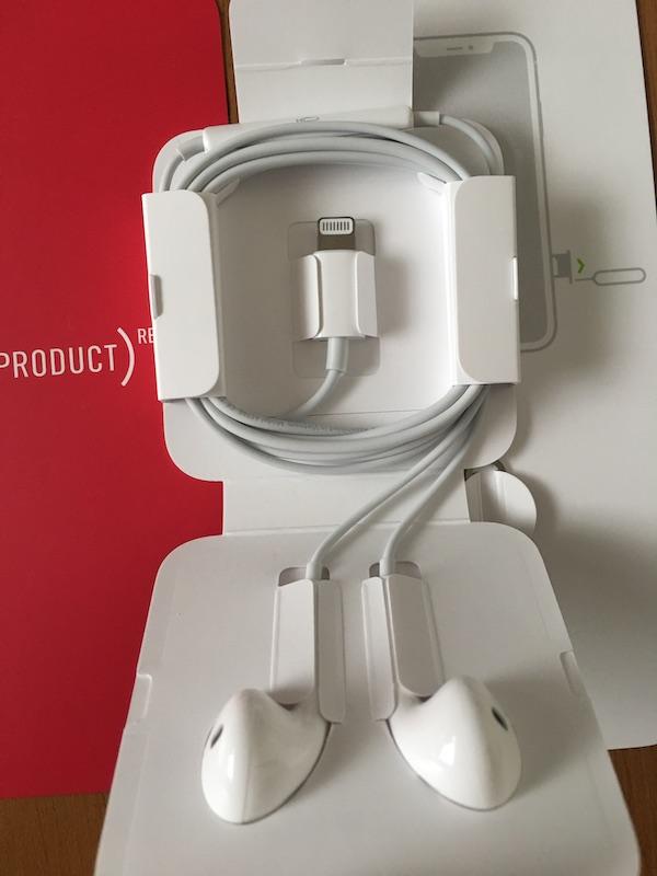 iPhone 11 ライトニング端子イヤホン