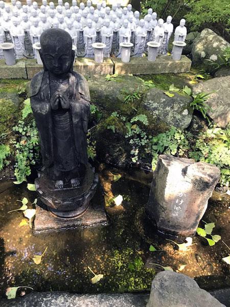 鎌倉長谷寺の水かけ地蔵
