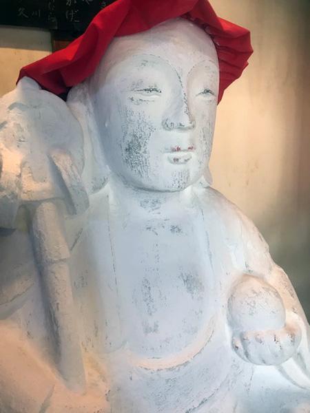 玉鳳寺のおしろい地蔵