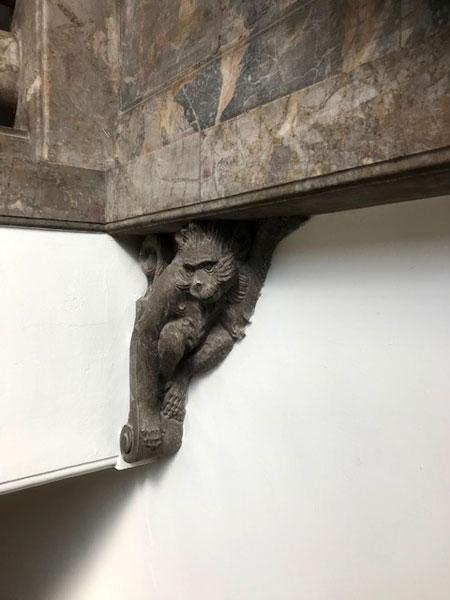 築地本願寺の猿