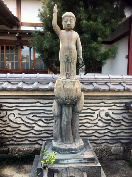 海徳寺 釈迦生誕像