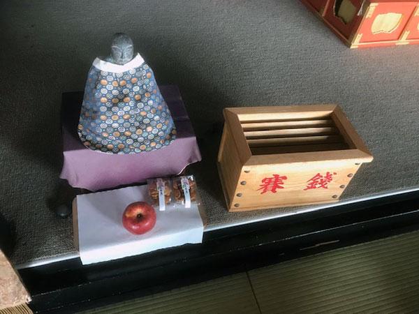 地蔵寺の賽銭箱