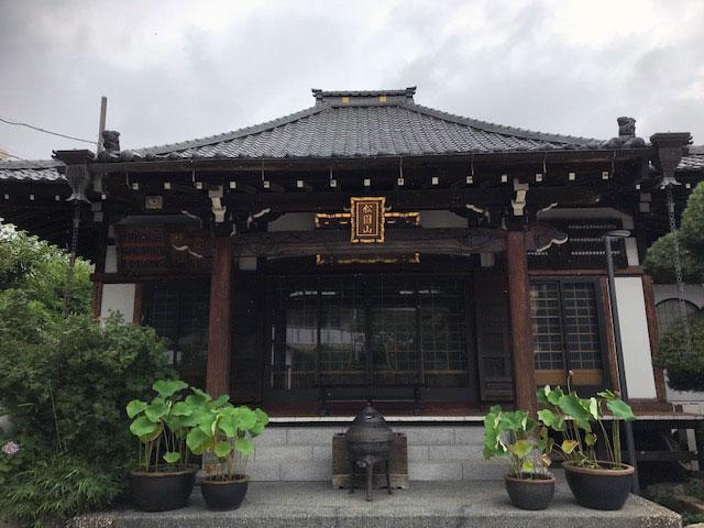 安楽寺の本堂