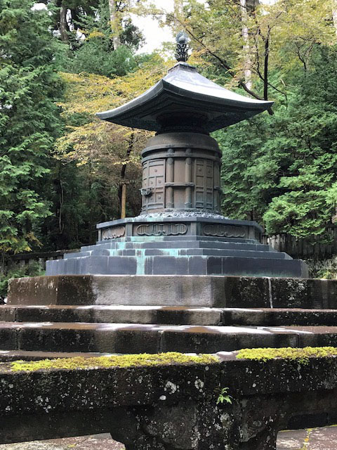 銅宝塔(徳川家康墓)