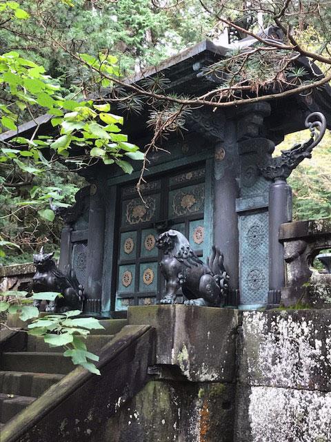 鋳抜門(いぬきもん)