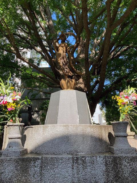聖観世音菩薩立像