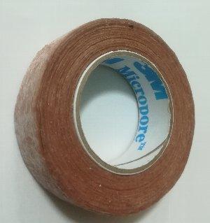 サージカルテープ(3M社 micropore)