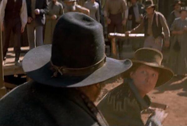 マーティがマットドックタネンを倒した右フックは・・・