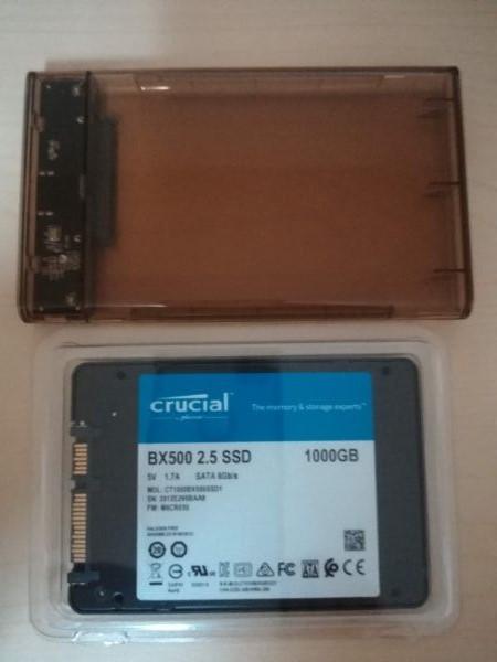 SSDとUSB3.0の2.5インチマウンター箱の中身