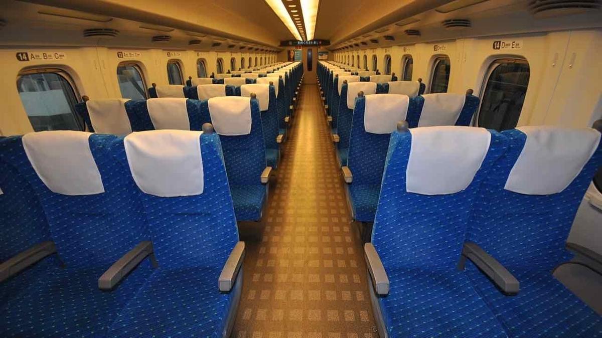 東海道新幹線のぞみの車内