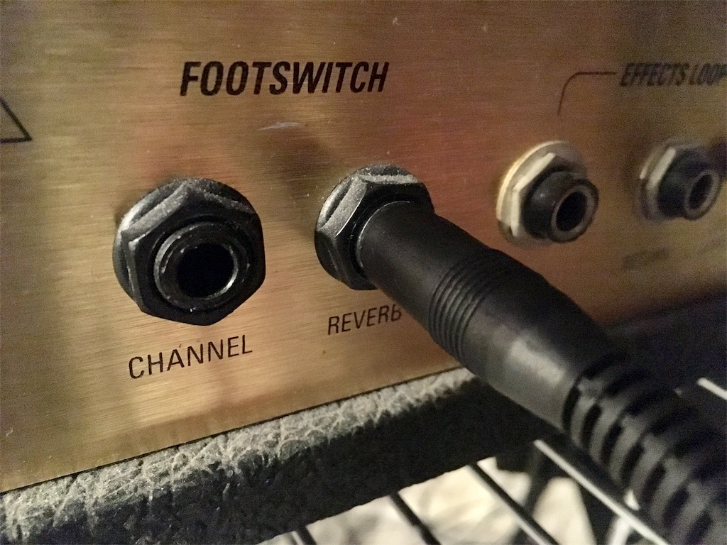 Marshall JCM 2000 フットスイッチの接続の仕方