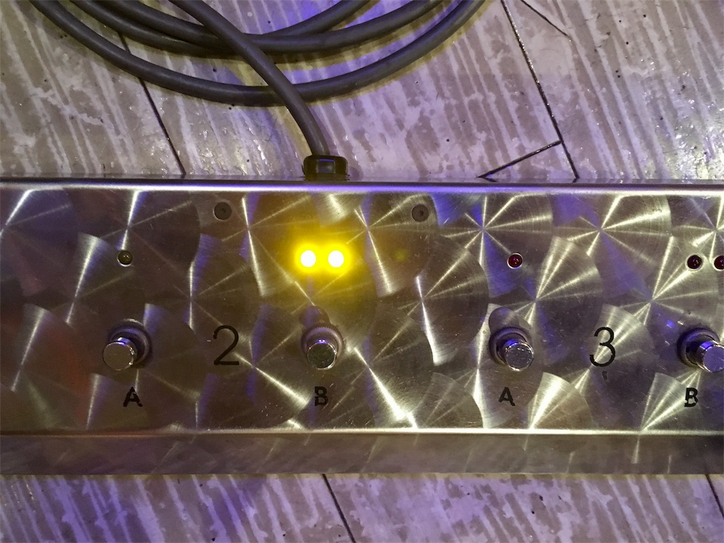 Hughes and Kettner Triamp Mk2のフットスイッチ