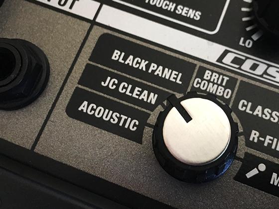 特にJC CLEANのモードが選択できるアンプがエフェクターと合わせた時に効果がわかりやすいです。
