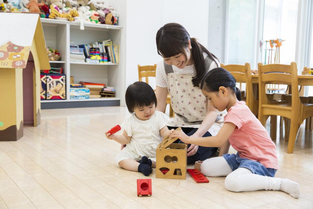 保育園と幼稚園の違いとは?料金や仕組みについて解説
