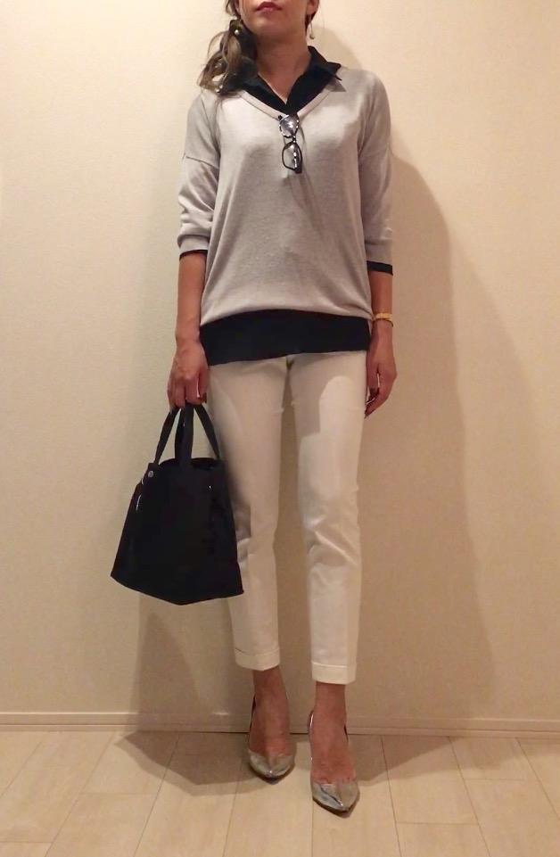 黒シャツ×白パンツのモノトーンコーデ-1