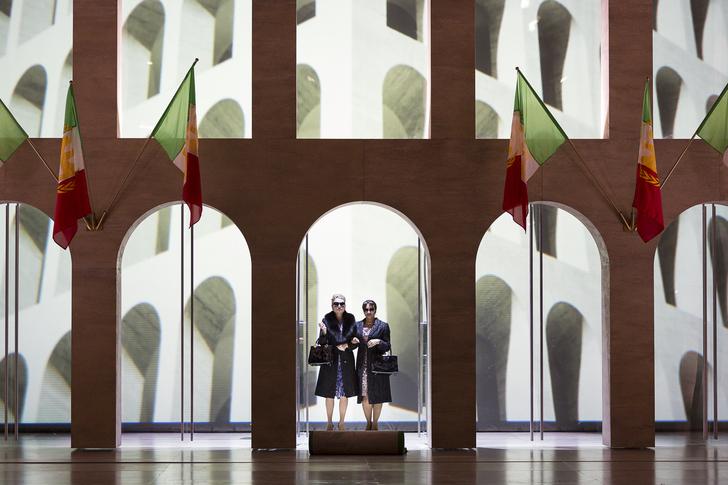 Patricia Bardon (Agrippina) und Danielle de Niese (Poppea) © Werner Kmetitisch
