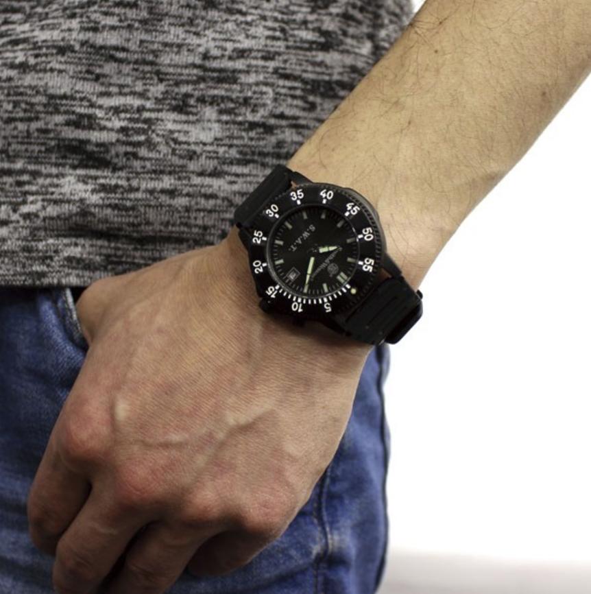 スミス&ウェッソンのメンズ腕時計