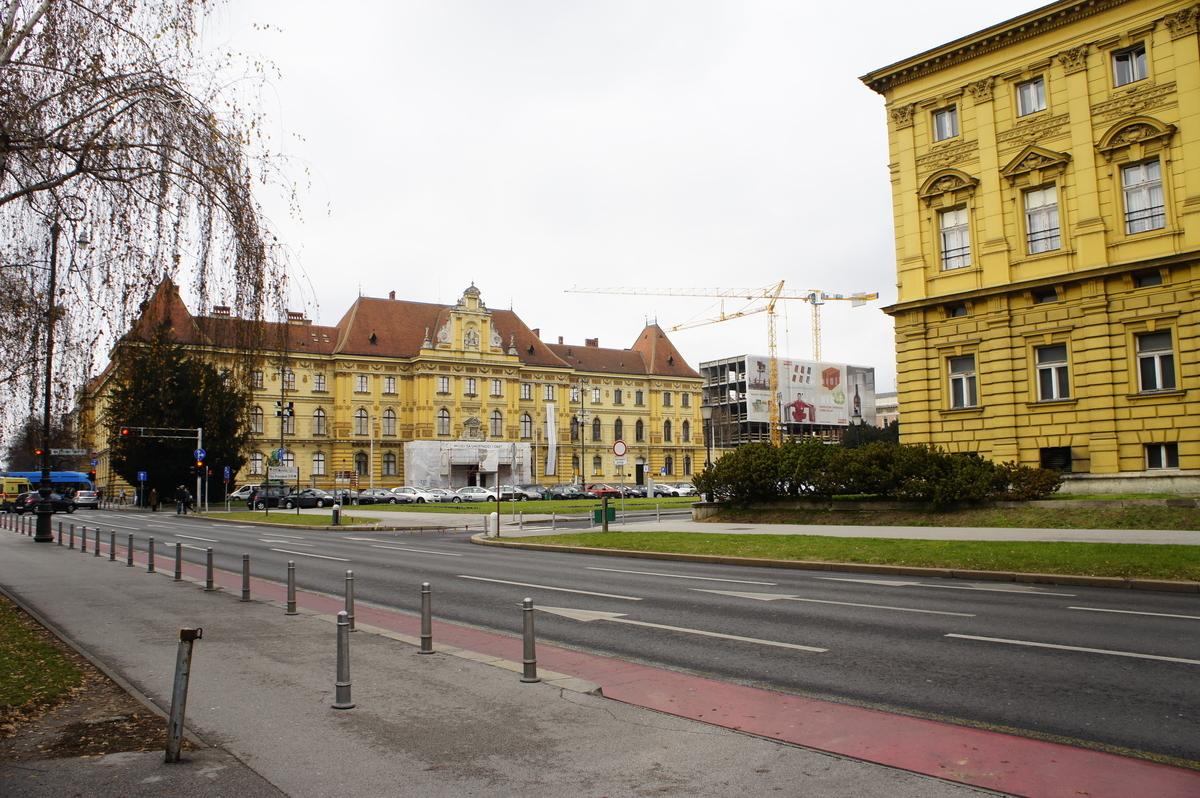 ザグレブ 美術工芸博物館