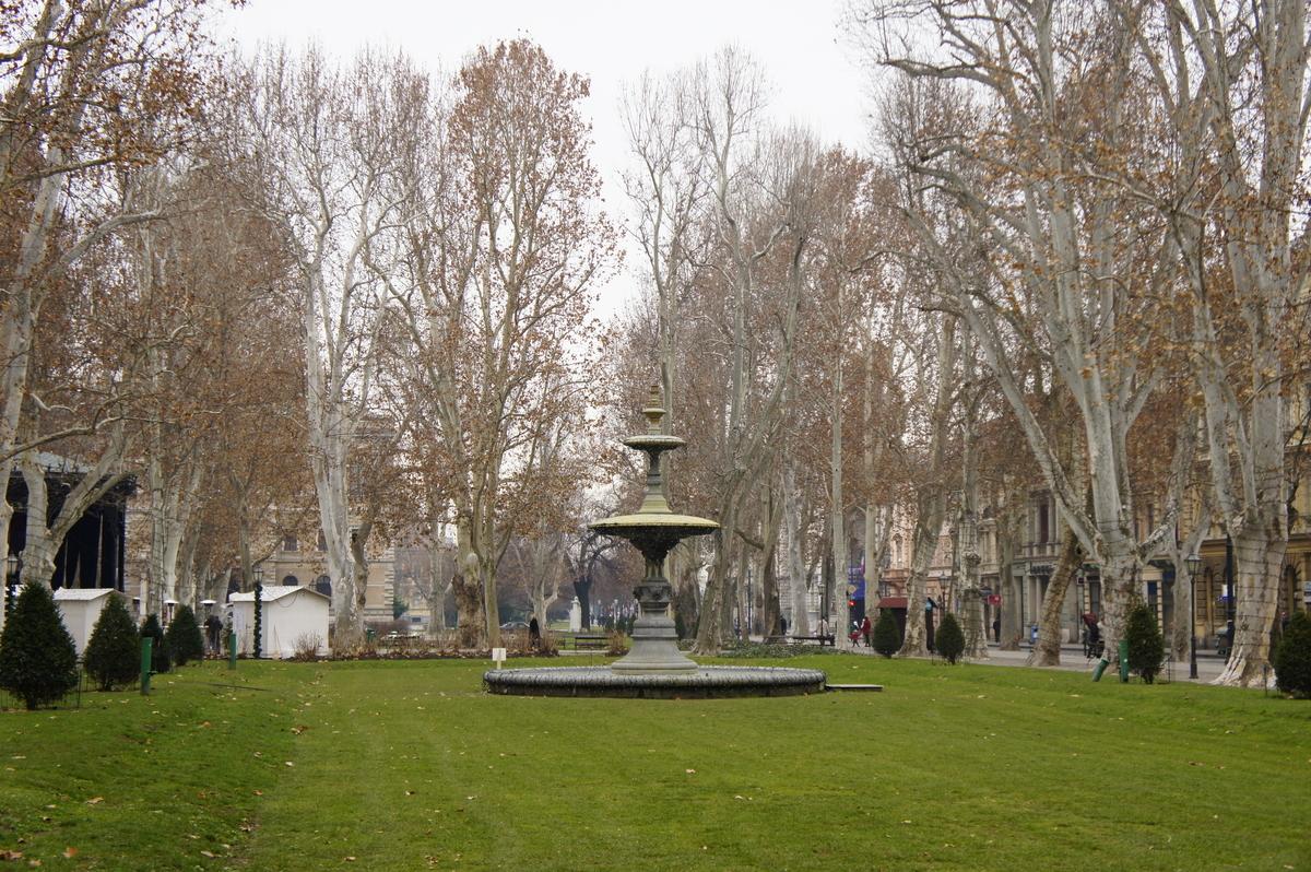 ザグレブ トミスラフ王広場