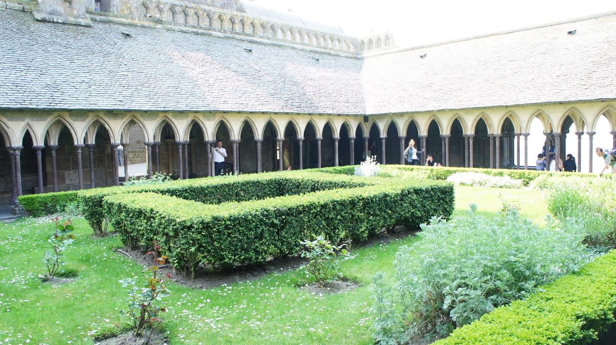 モンサンミッシェル修道院回廊