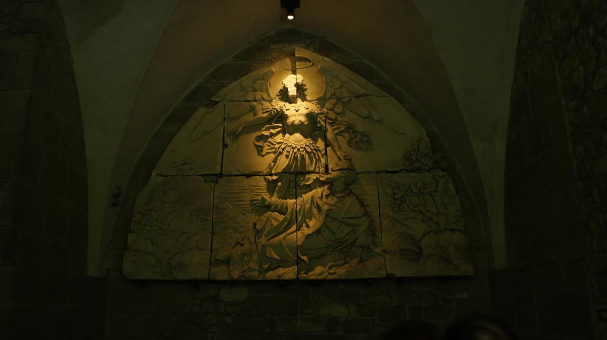 モンサンミッシェル修道院食堂 レリーフ