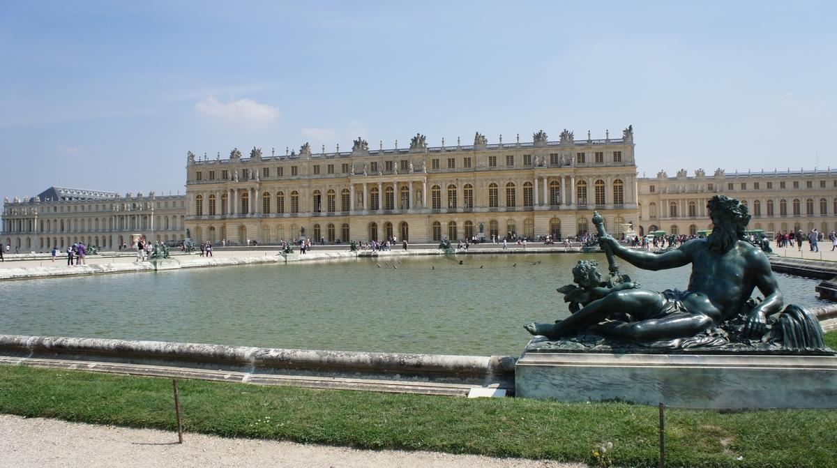 ヴェルサイユ宮殿庭園 ゼウス像