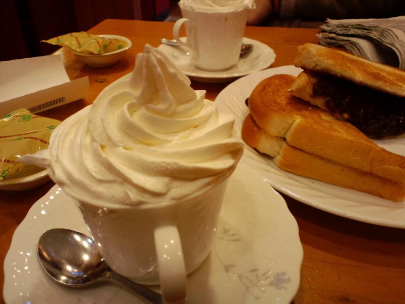 コメダ珈琲店のスペシャルコーヒーと小倉トースト