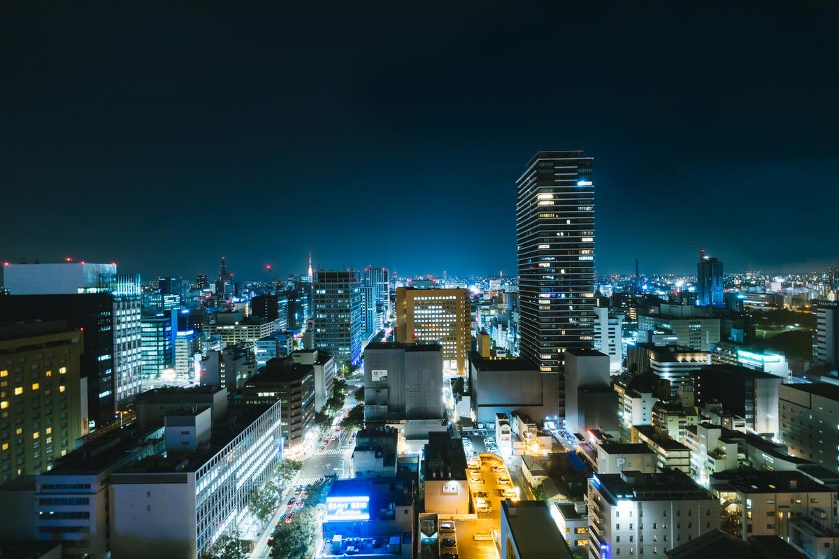 "<img src=""nagoya.jpg"" alt=""名古屋の夜景"">"