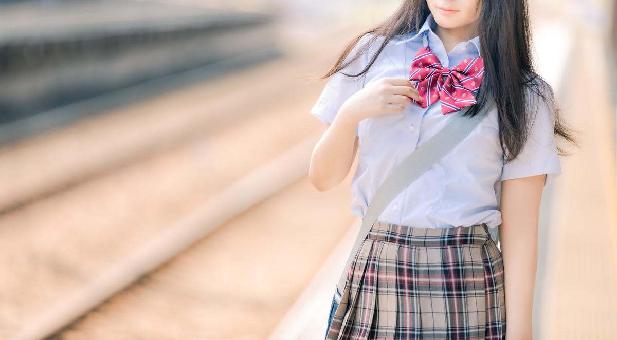 """<img src=""""japaneseschoolgirl.jpg"""" alt=""""日本の女子高生"""">"""