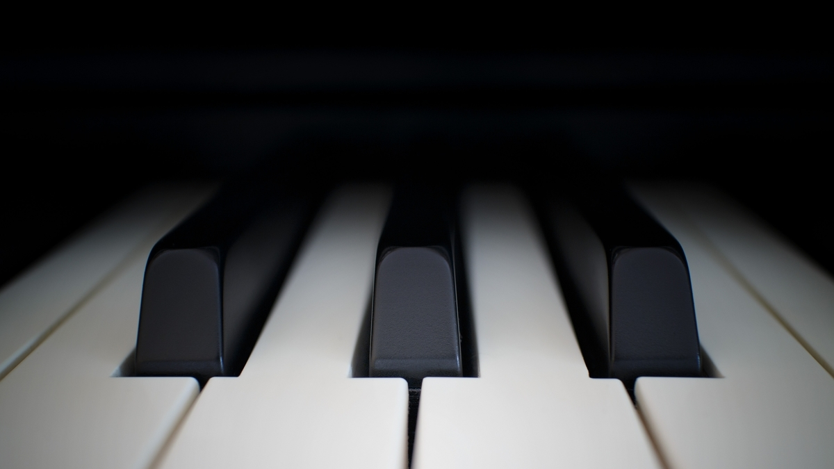 "<img src=""piano.jpg"" alt=""ピアノの森"">"
