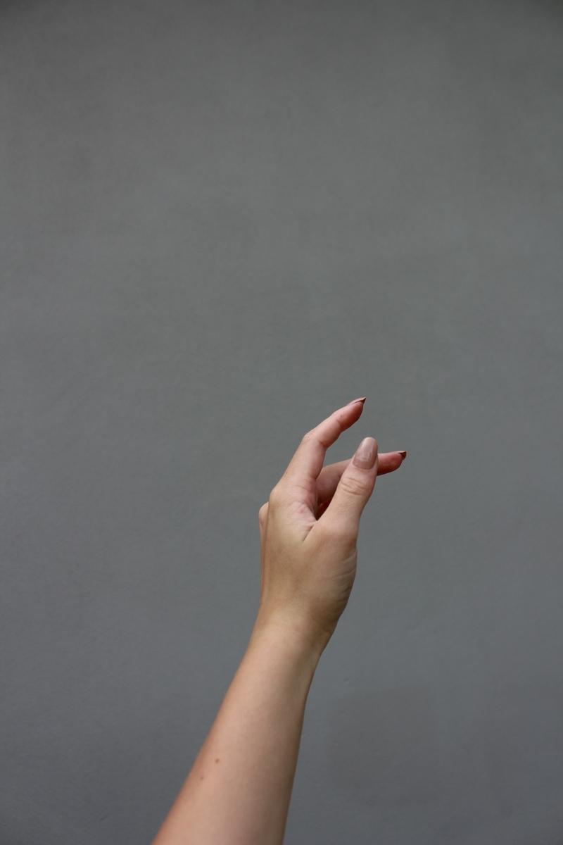 """<img src=""""hand.jpg"""" alt=""""まゆしーのスターダスト・シェイクハンド"""">"""