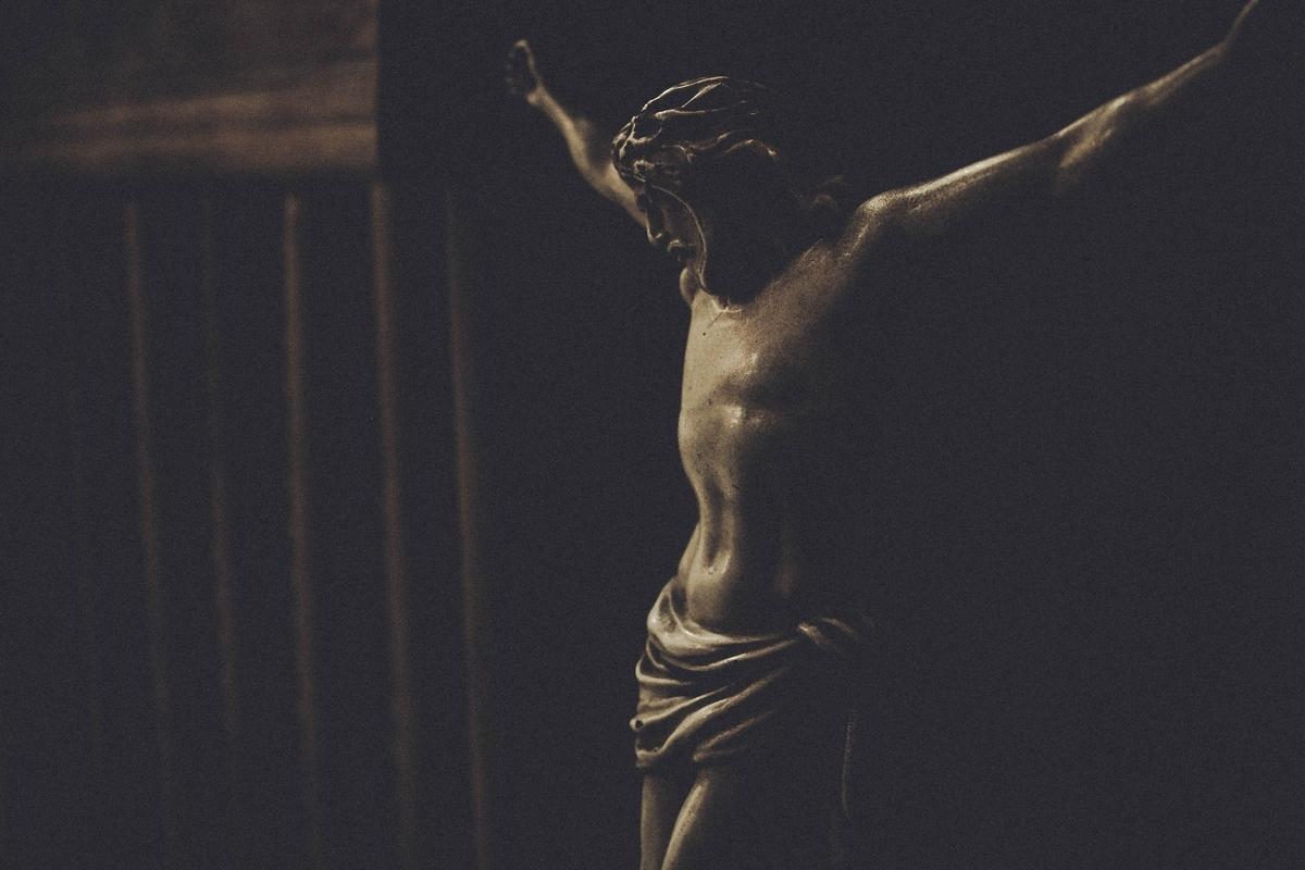"<img src=""jesus.jpg"" alt=""唯一絶対の神"">"