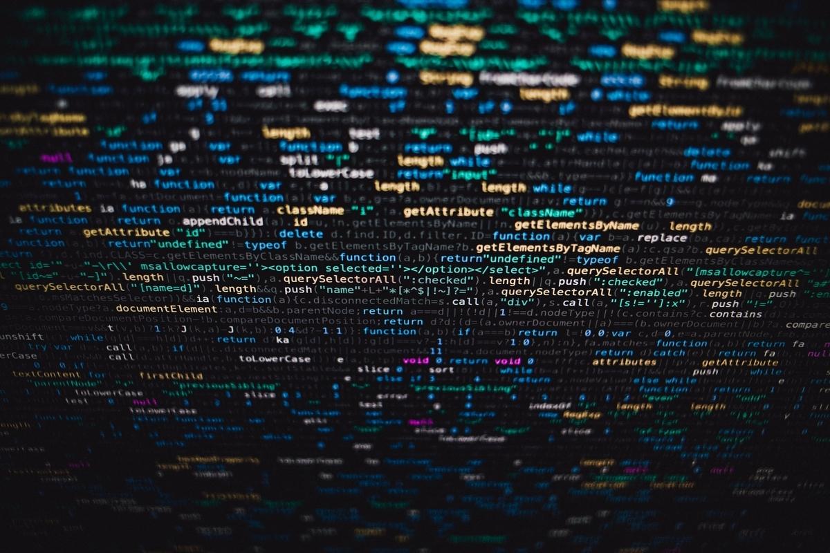 "<img src=""programming.jpg"" alt=""プログラミング"">"