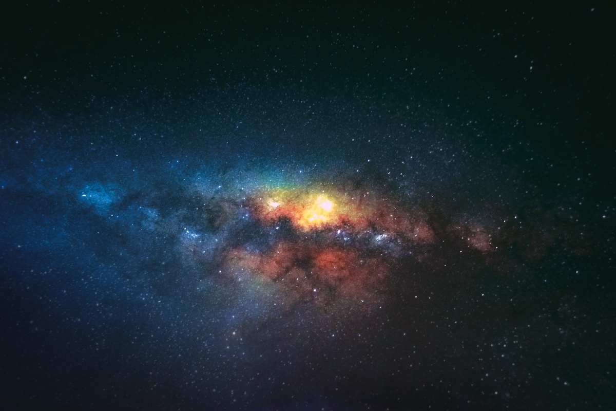 "<img src=""space.jpg"" alt=""宇宙"">"