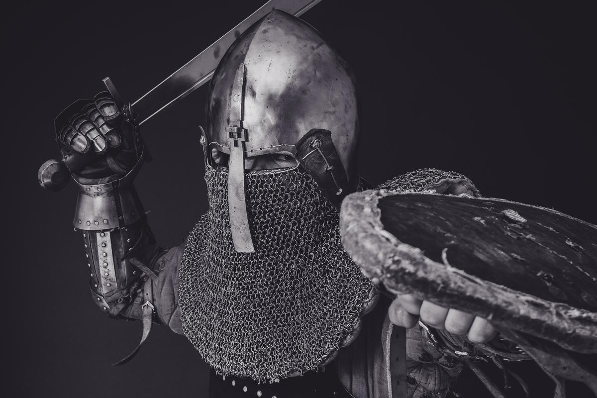 "<img src=""knight.jpg"" alt=""ゴブリンスレイヤーの一撃"">"
