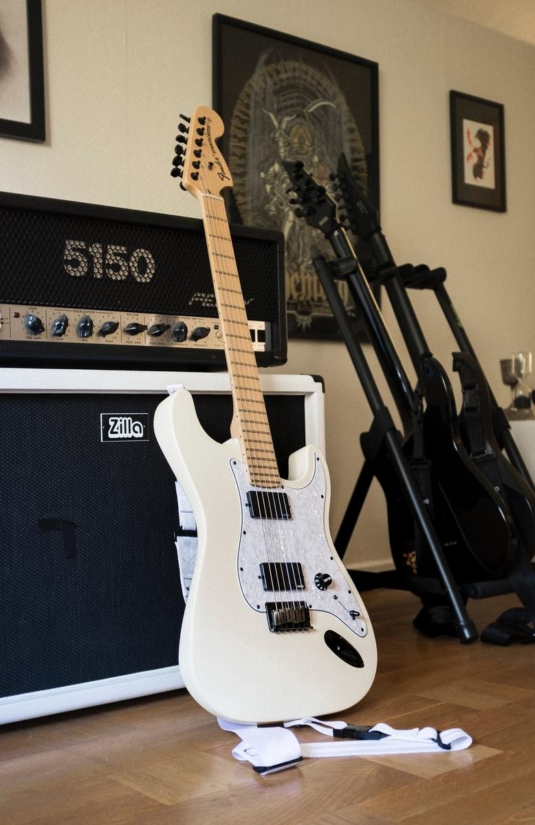 """<img src=""""stratocaster.jpg"""" alt=""""Fender JapanとUSAの違い"""">"""