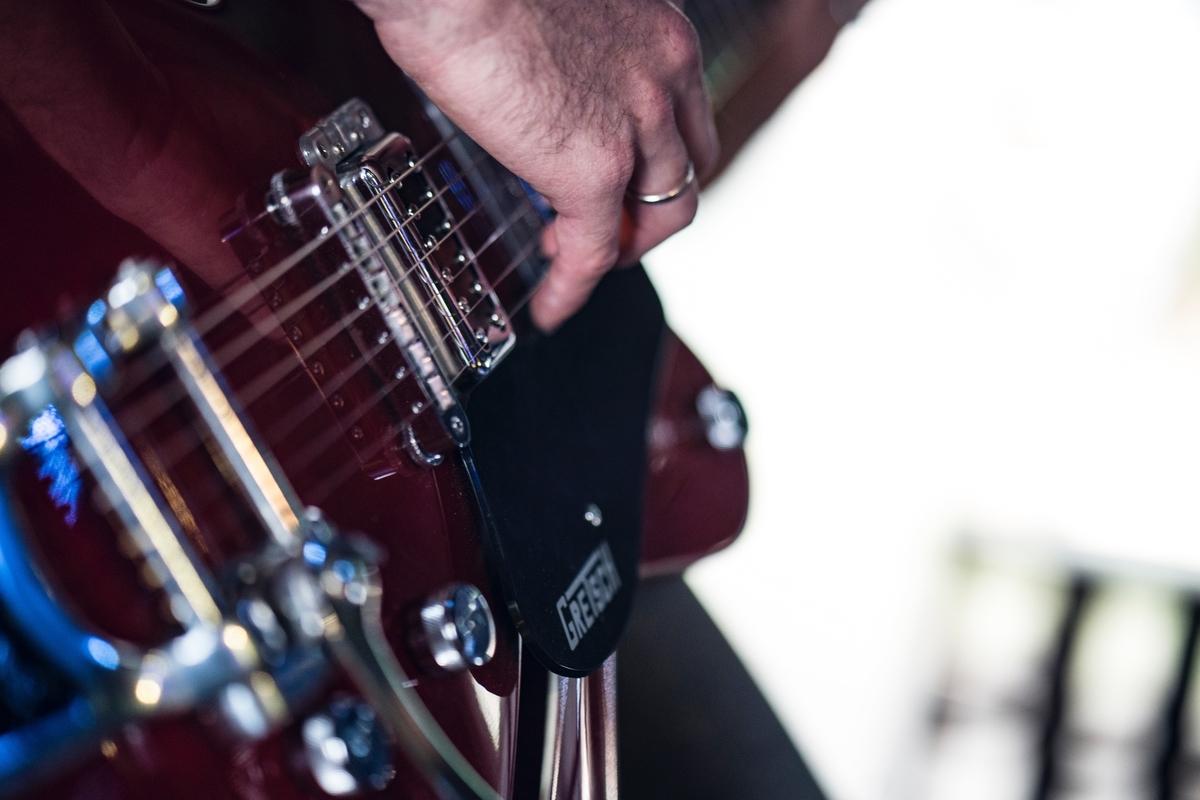 """<img src=""""guitar.jpg"""" alt=""""ギターの基本テクニック"""">"""