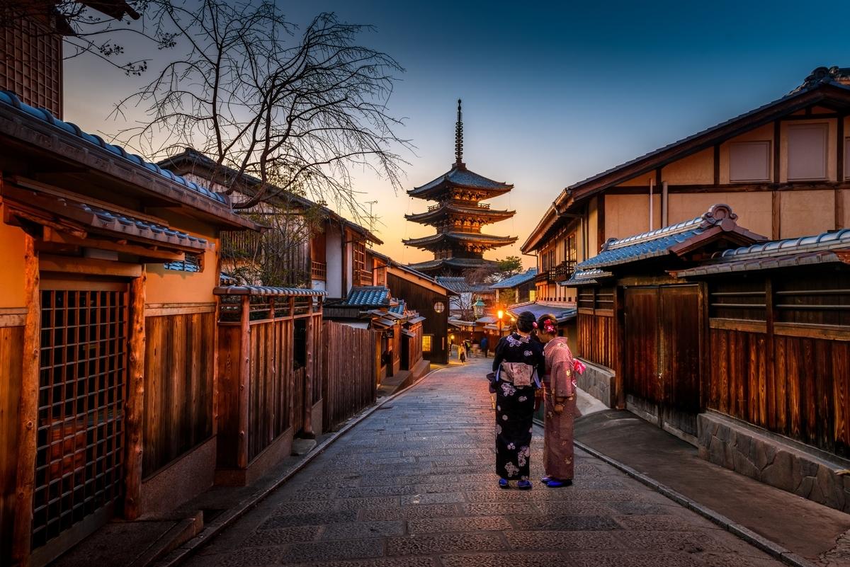 "<img src=""kyoto.jpg"" alt=""京都の風景"">"
