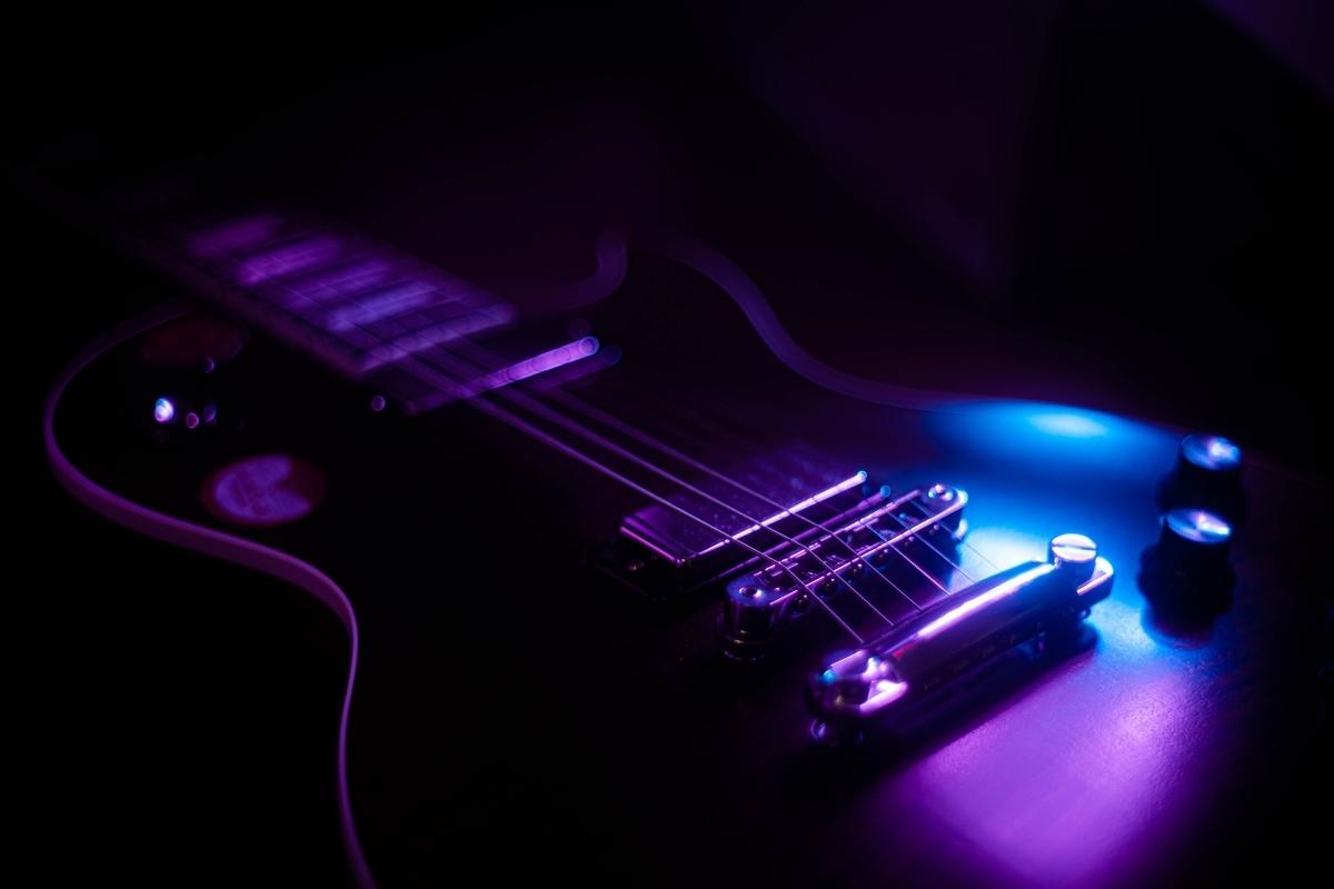 """<img src=""""lespaul.jpg"""" alt=""""レスポールタイプのギター"""">"""