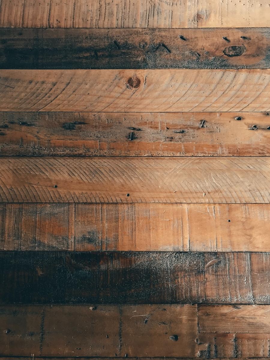"""<img src=""""wood.jpg"""" alt=""""ギターに使われる木材"""">"""