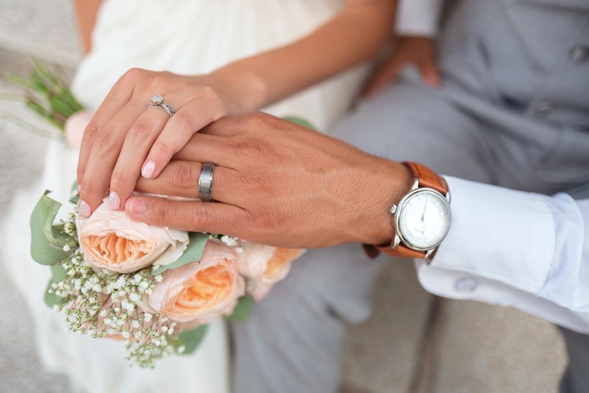 "<img src=""marry.jpg"" alt=""岡村隆史の結婚"">"