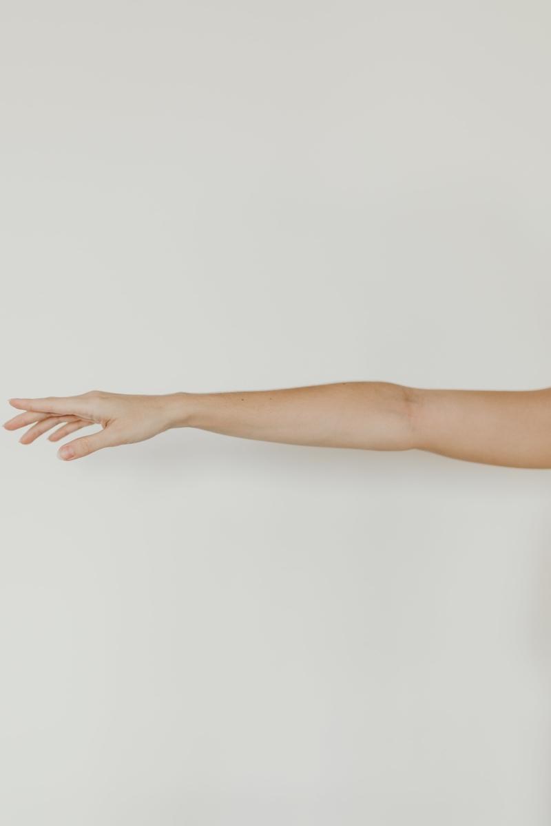 "<img src=""arm.jpg"" alt=""腕の使い方"">"