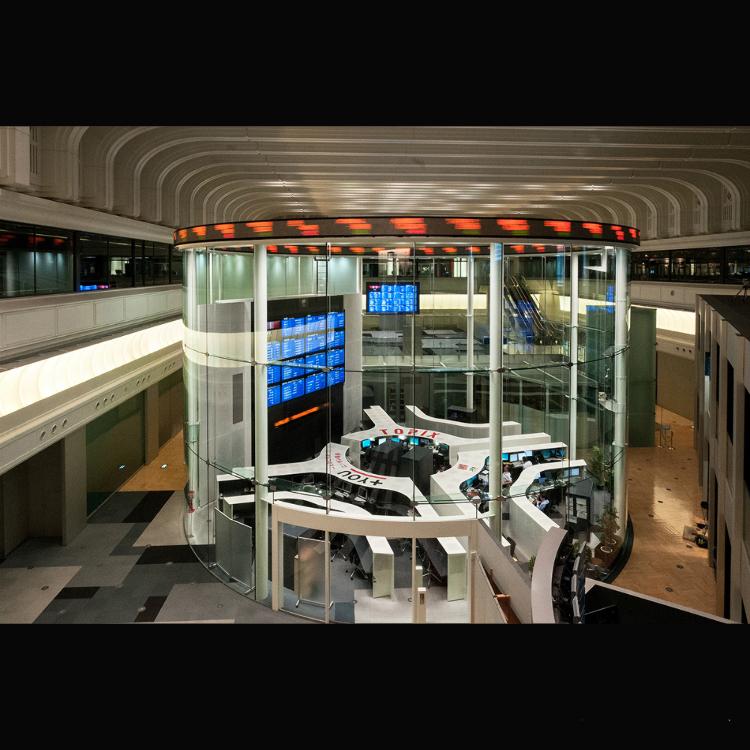 今の証券取引所(マーケットセンター)