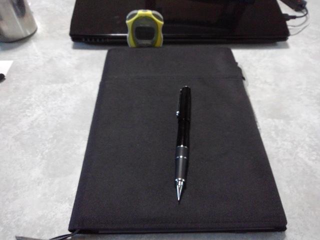 ストップウォッチと手帳とシャーペン