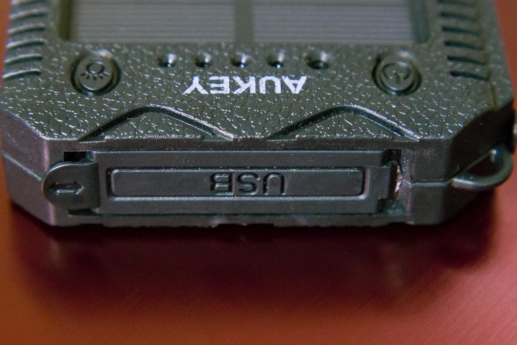 USBポート付近