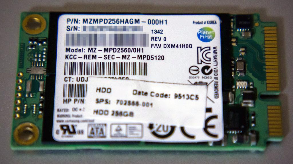 SAMSUNG MZMPD256HAGM-000H1(表面)